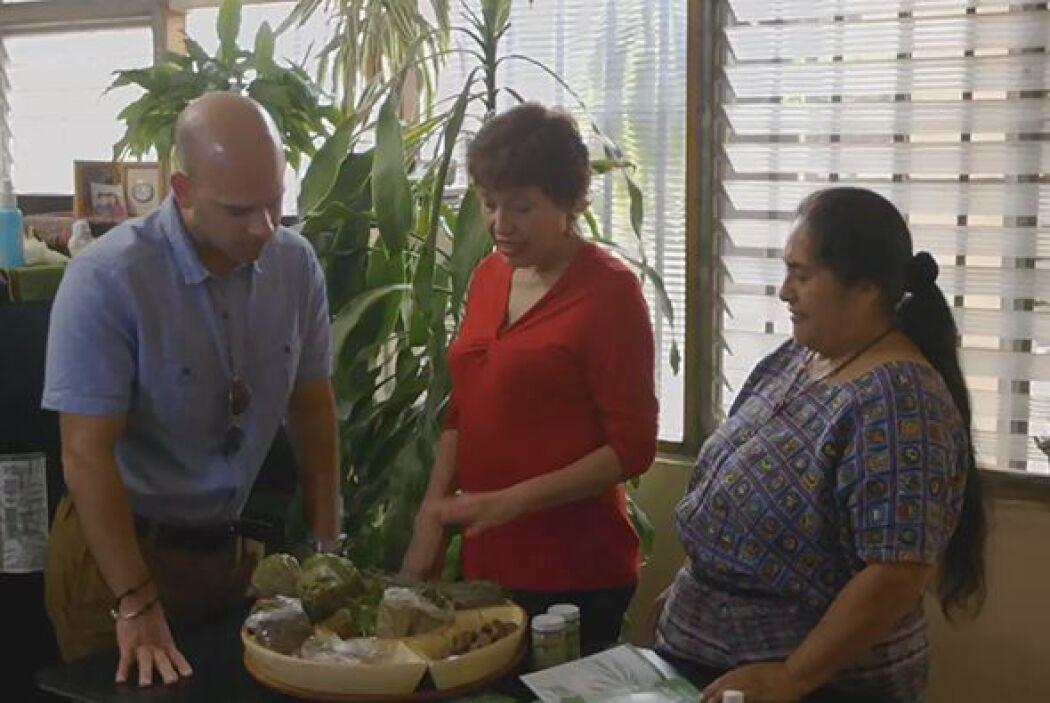 En Guatemala el doctor Juan visitó desde una sanadora holística, hasta c...