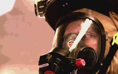 El cáncer ataca un 300% más a los bomberos que a la población general, s...