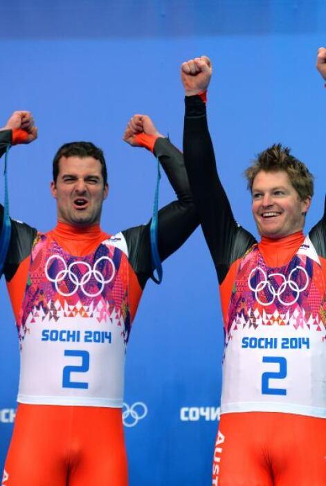 Andreas Linger, de 32 años, y Wolfgang Linger, de 31, de Austria lograro...