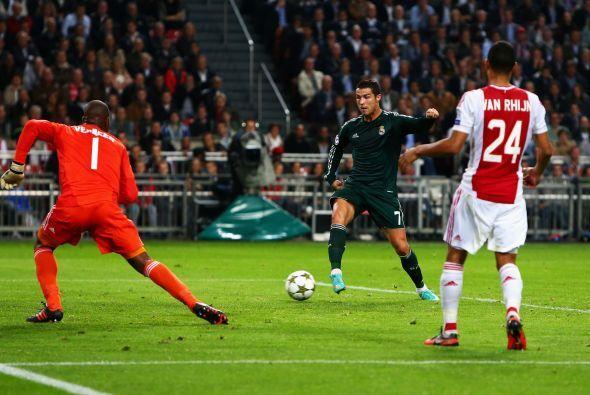 El primer gol del partido llegó casi hasta el final del primer tiempo, e...