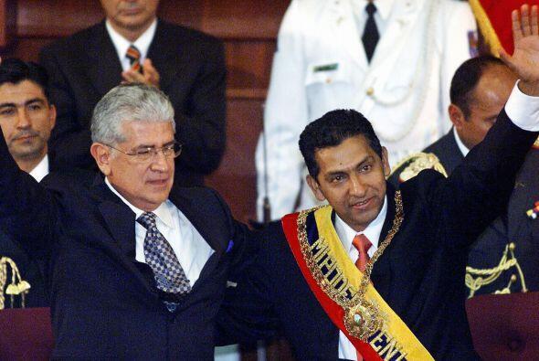 Gutiérrez asumió el poder en 2003, teniendo como vicepresidente a Alfred...