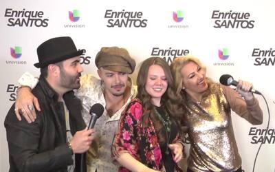Enrique Santos con Jesse y Joy en los Latin Grammy 2015