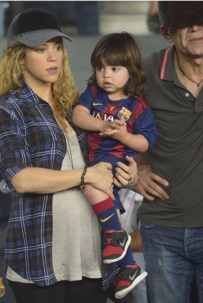 Iba muy bien uniformado con los colores del Barcelona.