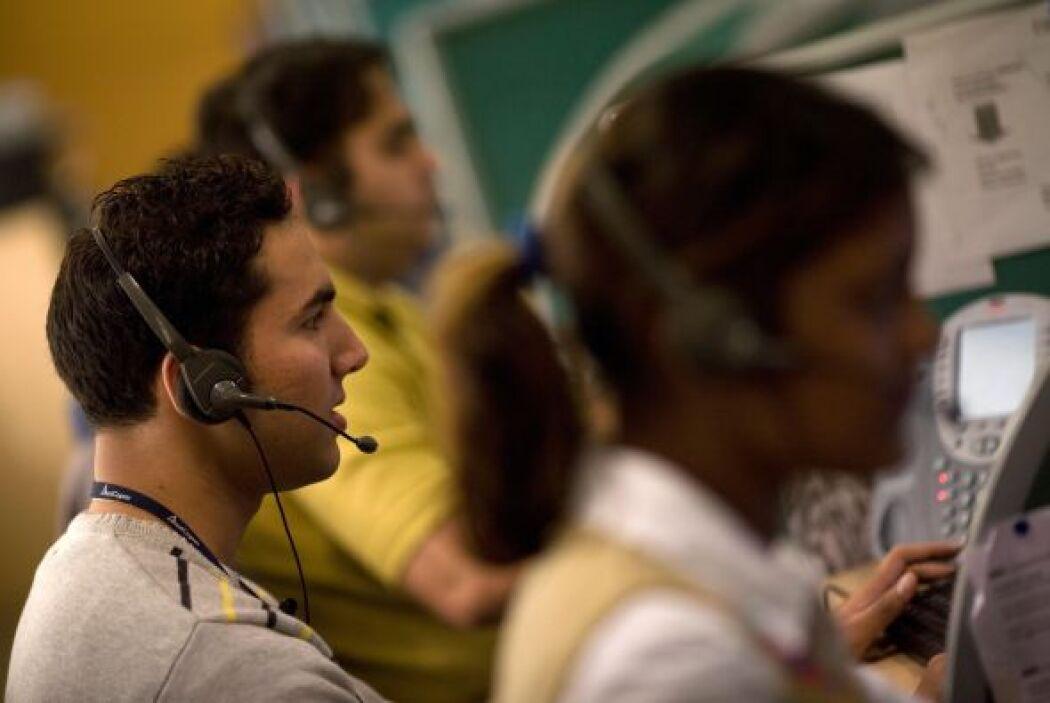 2,299,750- Es el número de representantes de servicio al cliente, la sép...