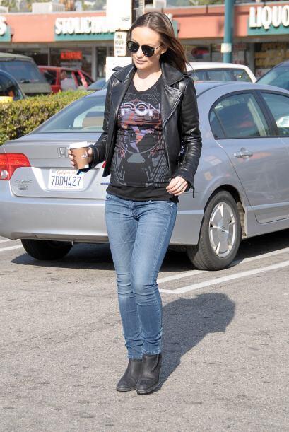 Famosas como Olivia Wilde han presumido el estilo 'rockero' en su embara...