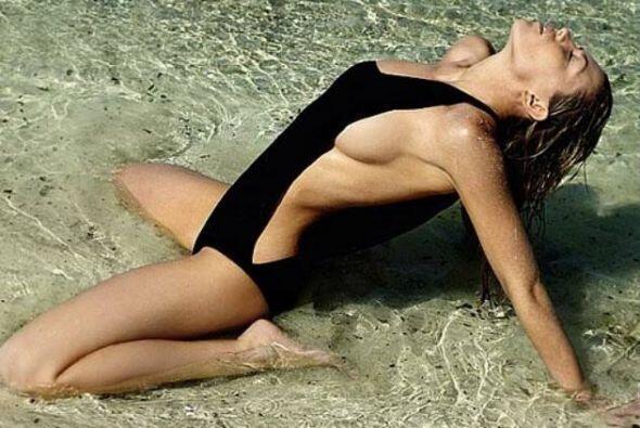 .La inglesa, esposa del delantero Stoke City, es una de las modelos más...