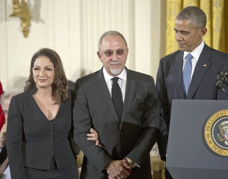 Gloria y Emilio Estefan con Barack Obama