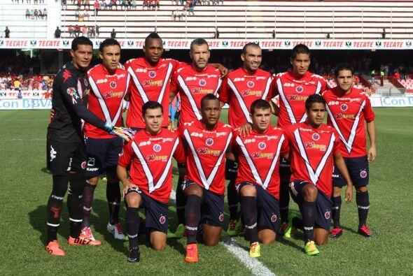 Los Tiburones Rojos del Veracruz tienen 51 puntos en 51 juegos en el &ua...
