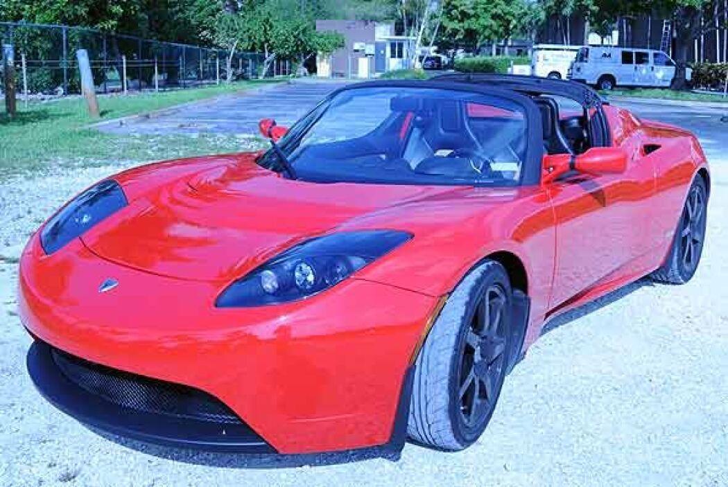 A primera vista es un coche realmente atractivo, nada que ver con los pr...