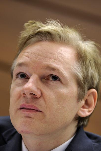 Julian Assange es de origen australiano y es el fundador del portal Wiki...