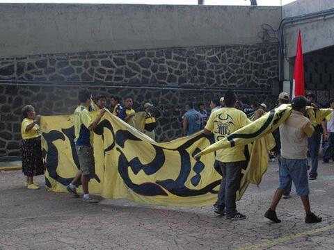 La afición del América asistió al Estadio Azteca pa...