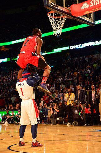2014 - John Wall  de los  Washington Wizards ganó el concurso del...