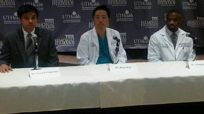 Los doctores de Giffords no garantizan que pueda ver despegar a su espos...