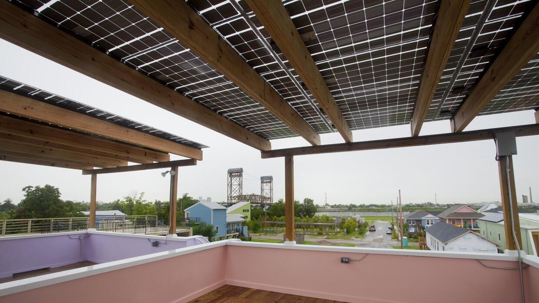 Terraza de la casa diseñada por Frank Gehry