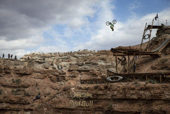 No hay un terreno como el que alberga el Red Bull Rampage en todo el mun...