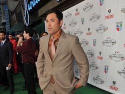 Oscar De la Hoya llegó a los Tecate Premios Deportes con una comb...