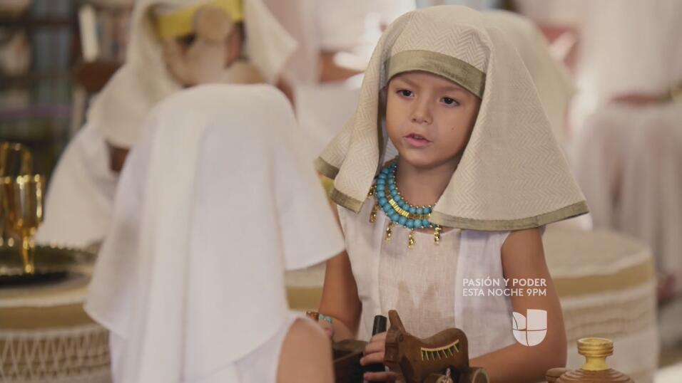 De chicos a galanes los hijos de Aaron y otros personas de la serie Los...