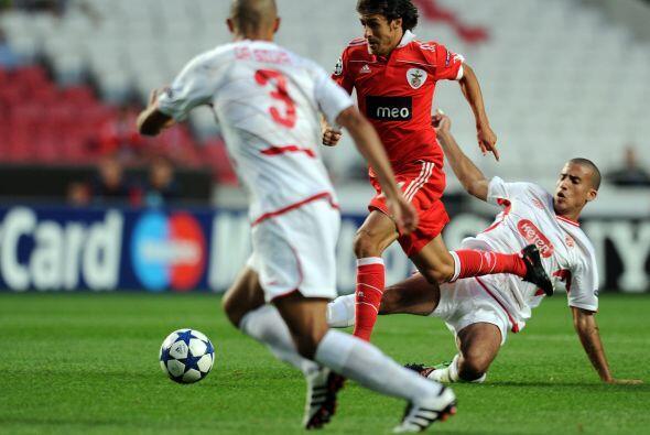 Por último, el Benfica hiso valer su localía ante el Hapoel Tel Aviv de...