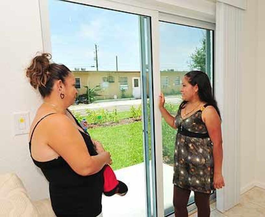 Mirando al futuroY las familias de Carmen y Anselma miran al futuro con...