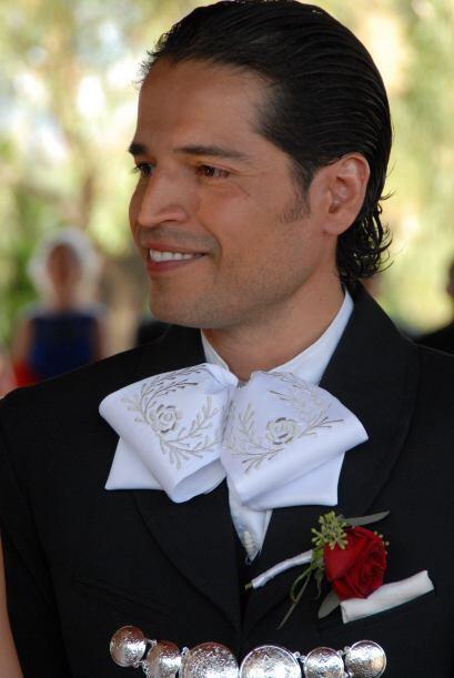 Luis recibió a Ana con una sonrisa, llegó la hora de dar el sí a su amada.