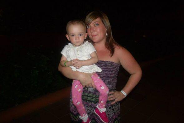 Tasha dio a luz a la pequeña Rosie tres meses antes de lo esperado.