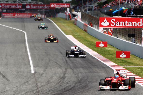 Sin embargo, por algunos momentos el español Fernando Alonso lide...
