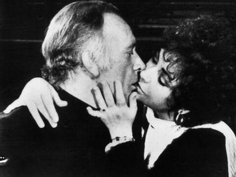 Encarnada en 'Cleopatra', Liz conoció al actor Richard Burton. Se...