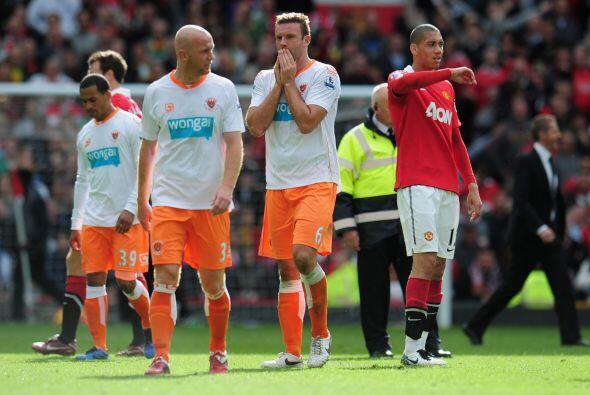 Blackpool no pudo evitar la derrota por 4-2 y de este modo su descenso.