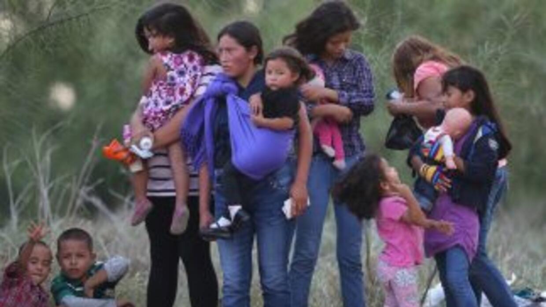 Inmigrantes centroamericanos captados en Mision, Texas.