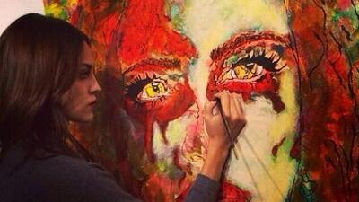 La actriz tiene talento para la pintura.