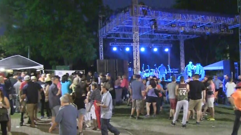 Miles de personas acuden a Fiesta San Antonio
