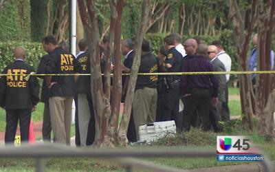 Policía de Houston ofrece detalles sobre el mortal tiroteo en un centro...