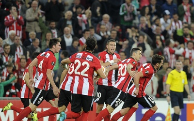 El Athletic Club se impuso al Ausburgo en San Mamés.