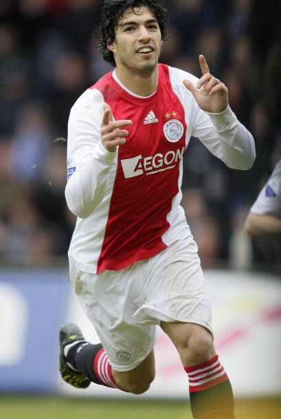 El 28 de enero del 2011 el Liverpool compró a Luis Suárez...