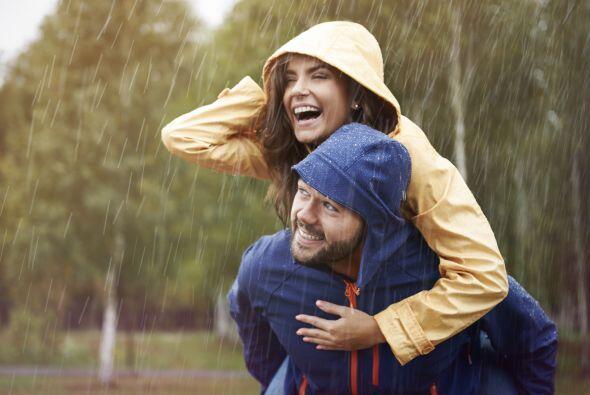 Por eso las relaciones se deben revitalizar constantemente. Reír...