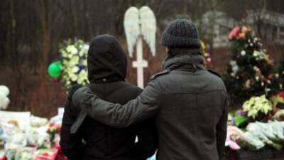 El ataque a la escuela primaria Sandy Hook sembró el luto en Estados Uni...