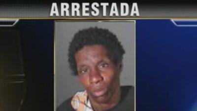 La Policía de Los Ángeles arrestó a Natasha Hubbard por supuestamente at...