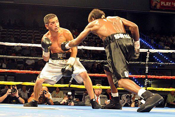 Thomas Snow dominó la pelea que se veía para un pronto final.