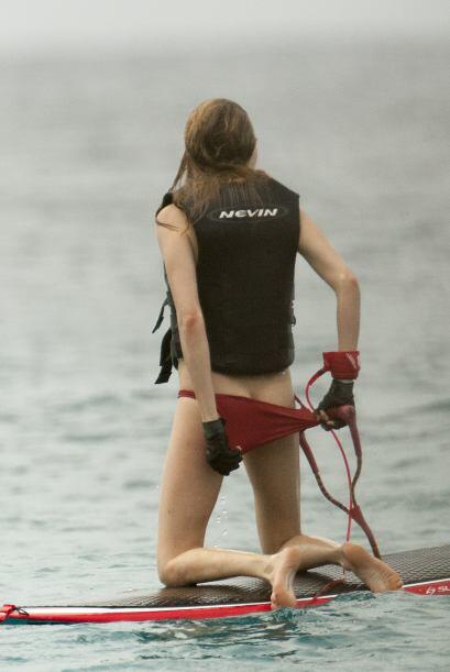 ¡Cuidado, se te cae el bikini! Mira aquí los videos m&aacut...