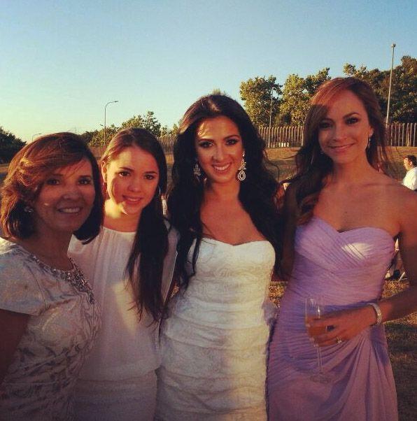 A tan sólo unas horas de la boda, Satcha lució radiante  en la espectacu...