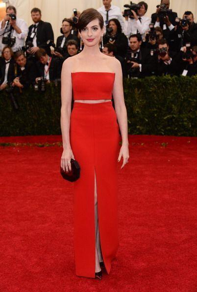 Anne Hathaway cambió los vestidos ampones y predecibles en este t...