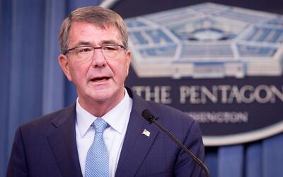 En un minuto: El Pentágono permitirá a personas transgénero incorporarse...