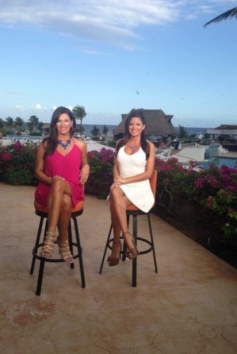 Bárbara y Pamela presentando el programa desde la Riviera Maya.