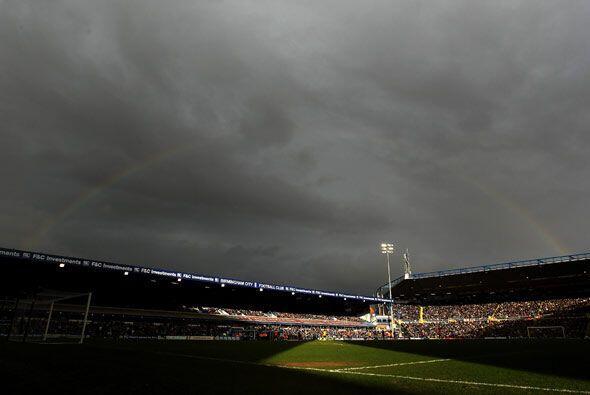 Había pronóstico de tormenta sobre Inglaterra, y aunque no...