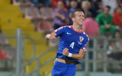 Croacia logra pase directa a la Euro 2016
