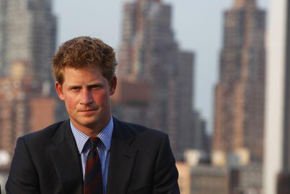 El Príncipe Harry también es un soltero altamente cotizado...