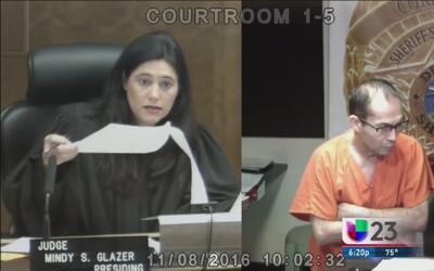 Un asistente medico es acusado por molestar a una menor