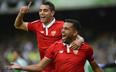 Gabriel Mercado celebra un gol con Sevilla