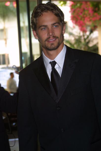 Paul, experimentando con bigote, en los Hollywood Film Festival Awards,...