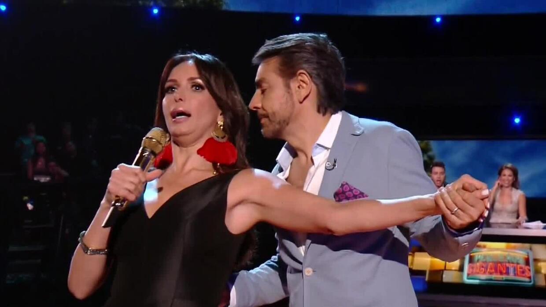 Eugenio Derbez le enseñó a bailar a Giselle Blondet